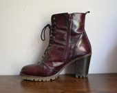 GORGEOUS VINTAGE Dark Red Ankle Heeled Lace Up Boots