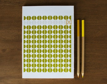 Well-Thought Notebook : Olive Circles