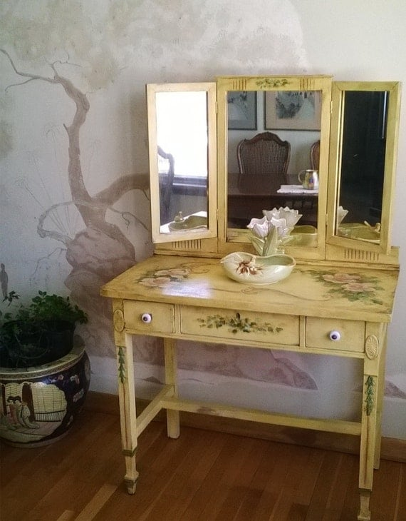Tri Fold Mirror Vanity Makeup Table 1800s By Lindafrenchgallery