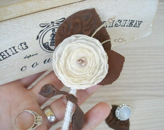 Ivory Wedding Boutonniere Rustic  Grooms  Buttonhole -  Brown Leather  Boutonnieres Groomsmen  Boutineers Country Wedding  Button Hole