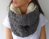 Reversible chunky knit scarf | Cream and gray neck warmer | Wool infinity scarf | Gift idea for her | Unique handmade scarves