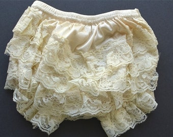 Ivory Lace Baby Bloomer, Diaper Cover, lace bloomer for babies.