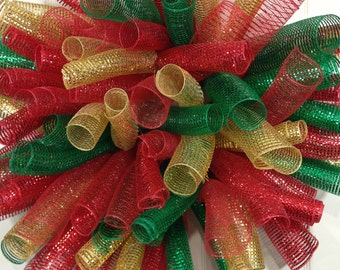 Christmas wreath, deco mesh wreath, holiday wreath, outdoor wreath, Christmas decorations, spiral wreath, front door wreath, w1042