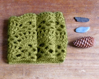 Lace cowl / chunky Scarf olive green / Crochet Neck warmer / Luxury wool / mother day gift / winter scarf