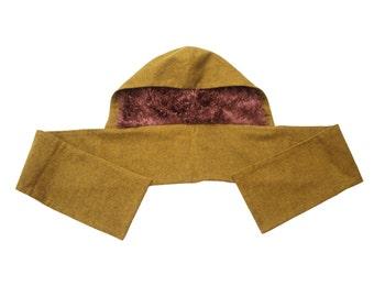 Hood-scarf, hairy inside