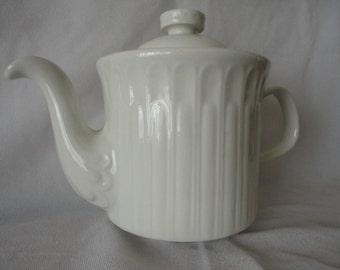 Etruscan Alfar Etruscan Acanntus White Teapot.
