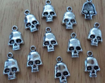 Pewter skull charms with top loop 12 piece lot l