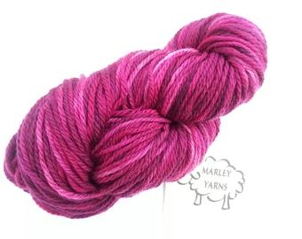Hand-dyed yarn - Merino Aran - 100g - Fuchsia