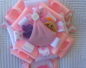 Pink Baby Shower Corsage - Its A Girl Baby Shower Corsage - Baby Shower Pin - Baby Shower Mums
