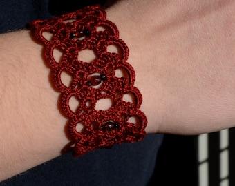 Red crochet bracelet, lace cuff, romantic bracelet, bordeaux cotton bracelet, bridesmaids bracelet, beaded bracelet, bijoux