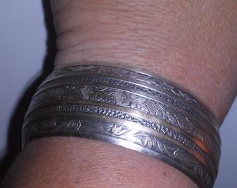 Vintage Silvertone Etched Leaf Cuff Bracelet