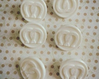 1970's vintage kitsch retro lucky horse shoe buttons weddings (6)