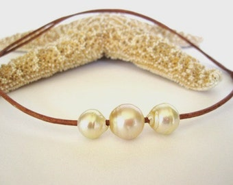 South Sea Pearl Leather Necklace, Tahitian Pearl Leather Choker Necklace, Pearl and Leather Necklace, Leather and Pearl Jewelry