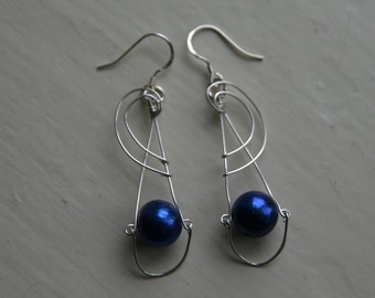Earrings. Cultivated blue potato pearl silver wire earrings, with 925 sterling silver ear wires. 54mm