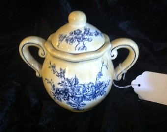 Vintage Maxcera yellow and blue toile sugar bowl