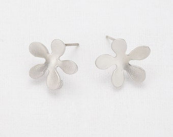 Flower Post Earring Matte Rhodium - Plated - 2 Pieces [E0041-MR]