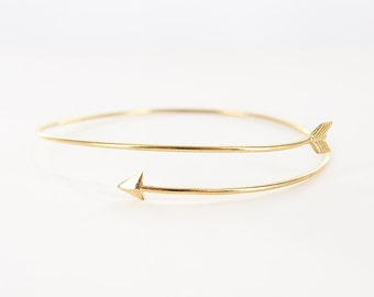 Gold Delicate Thin Arrow Bangle Bracelet / Thin Arrow Bracelet / Delicate Arrow Bracelet