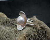 Sterling silver with a pink Cultured Pearl ring