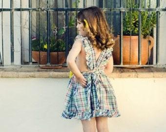 Apron dress/Girls dress/Rustic dress/Vintage for kids/Size 5