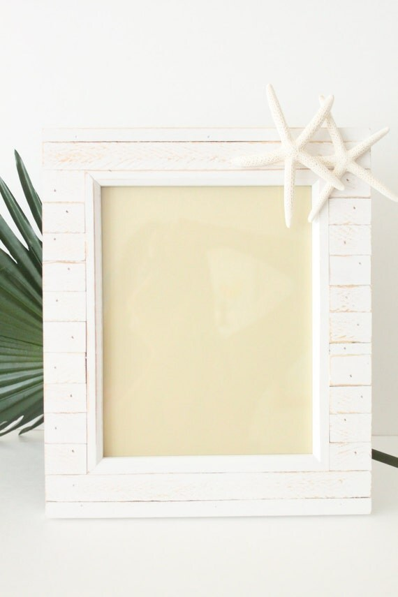 Distressed White Painted Photo Frame with Starfish