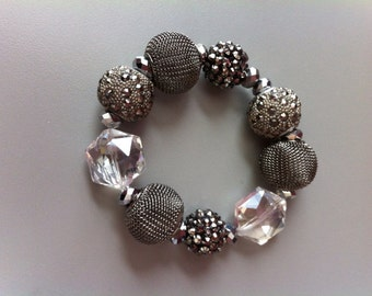 Bracelet metallic color mesh beads and clear crystals