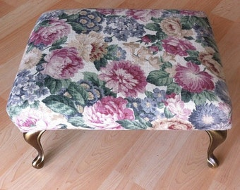 Lovely  floral #vintage feet chair