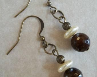 Zoe - Brown quartz and pearl earrings