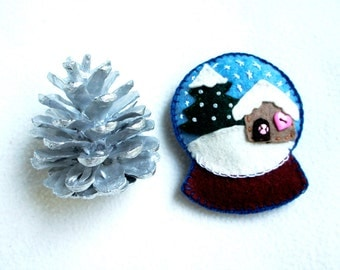 Snow globe ornament felt, little house, pine, snowflakes, Christmas ornament, Christmas tree decoration, handmade, Housewarming home decor