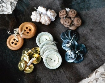Vintage buttons, vintage buttons lot, vintage loose button, dark brown