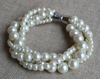 ivory pearl bracelet,four strands strands pearl bracelet,4 size pearls bracelet,bridesmaids bracelet,wedding pearl bracelets