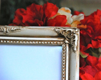 Ornate picture frames: Set of 2 shabby cottage chic vintage white 5x7 hand-painted decorative wall collage gallery photo frames
