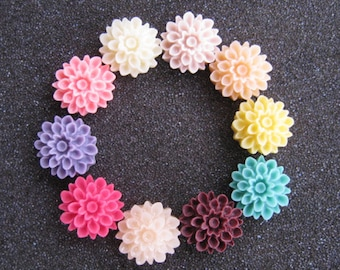 18pcs  Resin flower cabochon for Pendant Charm Craft Jewelry.