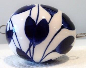 Arabia Finland Atelje Porcelain Egg by Gunvor Olin Grönqvist in the Original Box