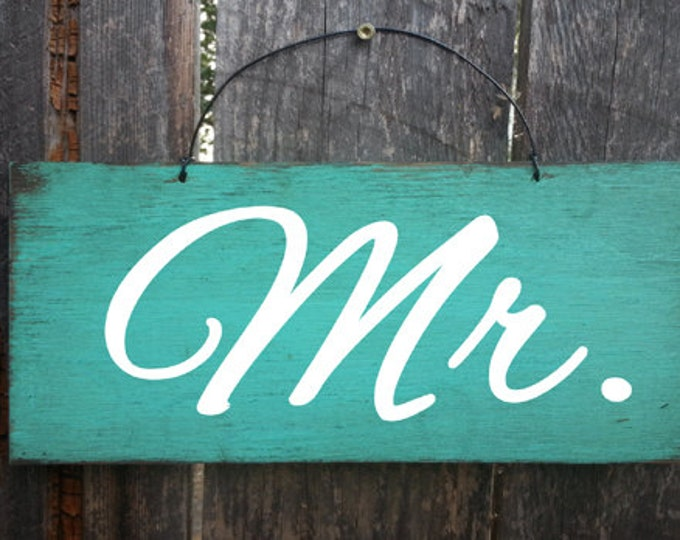 Mr. and Mrs. Signs, wedding signs, wedding decor, rustic wedding, primitive wedding, mr and mrs sign