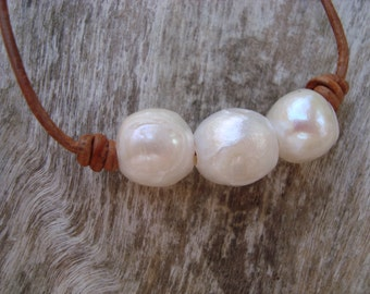 LEATHER/  PEARL NECKLACE  (Ainsley)