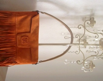 Shoulder leather bag.