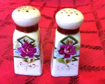 Antique Pink Purple Green Floral Hand Painted Salt Pepper Shaker Gold Gilt Beaded China