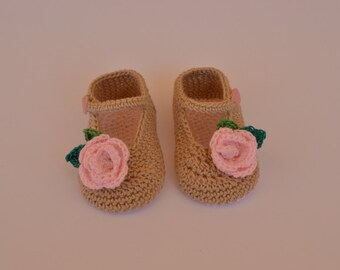 Mary Janes for baby girl hand made crochet, great to combine with everything.