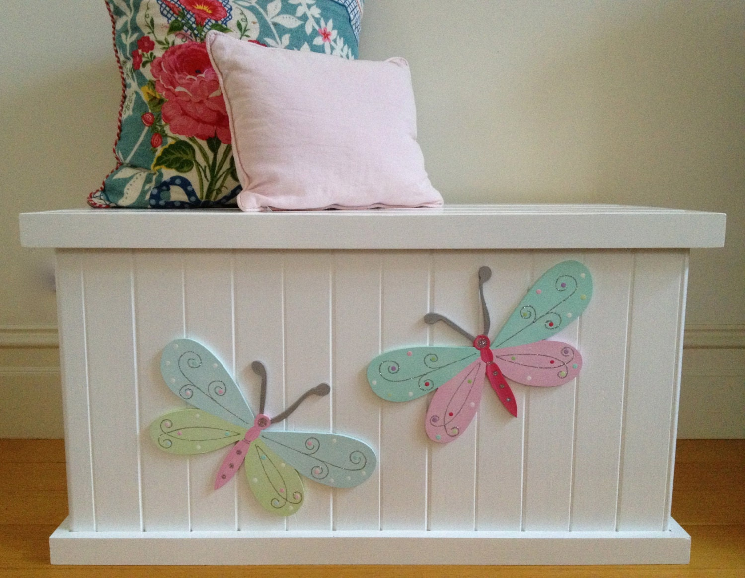 toy box butterfly girls toy box toy chest by littlebigdesignsshop. Black Bedroom Furniture Sets. Home Design Ideas
