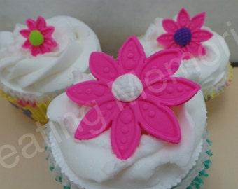 EDIBLE FLOWERS - Fondant flowers. Perfect touch cupcakes and cakes. Birthdays, weddings, bridal showers and more