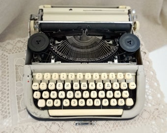 Vintage, Typewriter, Retro, Old, Typist, Portable, Manual, Letter