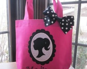 TOTE BAG Girl Profile on Scalloped Frame Personalized Toddler or Big Kid Tote