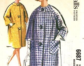 McCall's 6687 RAGLAN SLEEVE COAT circa 1962
