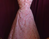 Vintage 1950s Valentine's Cocktail Dress of Pink Taffeta with Embroidered Leaves - Size Xs/S