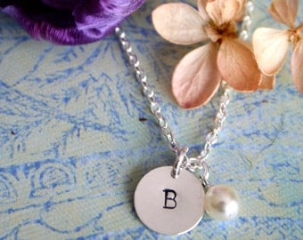 Personalized Bridesmaid Necklace, Pearl Bridesmaid Necklace with Initial, Bridesmaid Gift, Bridal Party Gift
