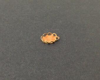 1 Loop Raw Brass Filigree Lace Edge 8x6mm Setting (10) stn004