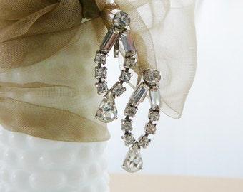 Vintage .. Rhinestone Earrings, Silver Tone Dangle Clear Screw-back Earring, Vintage Wedding Bridal