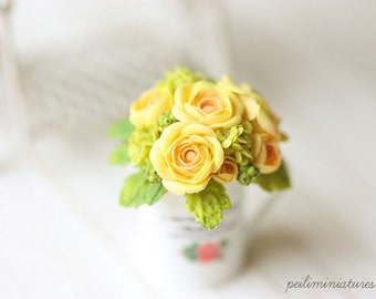 Dollhouse Miniature Flowers - Yellow English Roses Bouquet