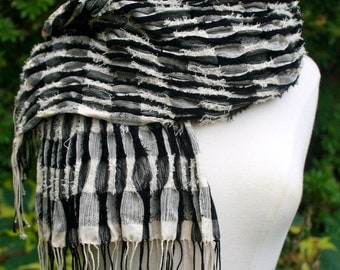 Textured Collapse Weave Silk Shawl in Black and White Checks