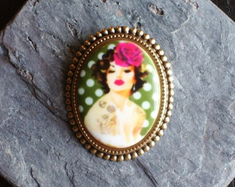 Pin up cameo brooch, green brooch, porcelain cameo brooch, rockabilly brooch, antique brass brooch, cameo jewelry, unique Christmas gift